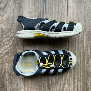 KHOMBU Kids Water Sandals